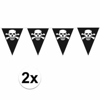 2x stuks piraten vlaggenlijnen/vlaggetjes zwart