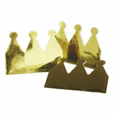 60x stuks gouden kroontjes van karton