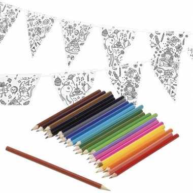 Knutsel papieren vlaggenlijn om in te kleuren 3m incl. potloden