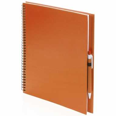 Schetsboek/tekenboek oranje a4 formaat 80 vellen inclusief pen