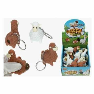 Sleutelhangers met poepende lama/alpaca wit 9 cm