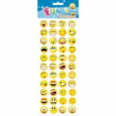 Stickervel smiley met 132 stickers voor kinderen