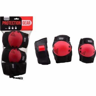 Zwart/rode beschermers set voor kinderen