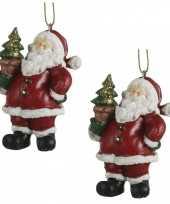 3x kersthangers kerstman beeldjes met kerstboom in zijn hand 8 cm