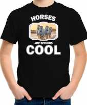Dieren witte paarden t-shirt zwart kinderen horses are cool shirt jongens en meisjes