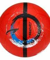 Rode speelgoed voetbal 21 cm maat 5 voor kinderen volwassenen