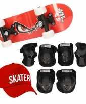 Skateboard set voor kinderen l 9 10 jaar valbescherming skater pet skateboard met print 43 cm rood
