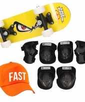 Skateboard set voor kinderen m 6 8 jaar valbescherming fast pet skateboard met print 43 cm geel