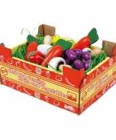 Speelgoed kist met groente van hout
